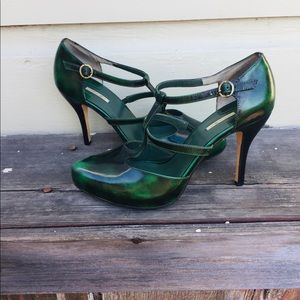 Emerald green Max Studio Mary Jane Pumps. Size 7